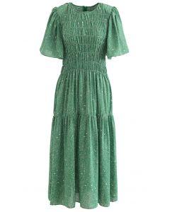 Robe midi imprimée à manches évasées et épaules dénudées en vert