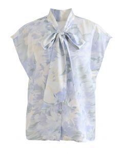Top boutonné à fleurs aquarelle à col noué en bleu