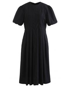 Robe mi-longue plissée à manches courtes Puff en noir
