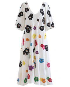 Robe Dolly à décolleté en V et pétales brodés en blanc