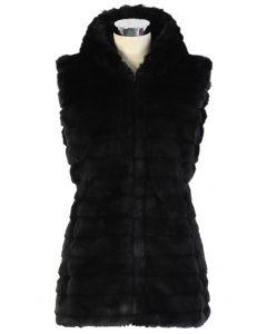 Veste Chicwish en fausse fourrure avec capuche noire