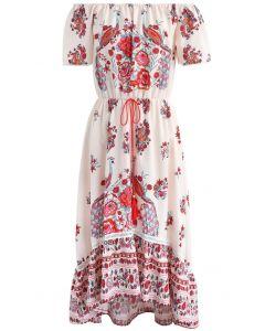 Robe en mousseline d'épaule à fleurs et paon