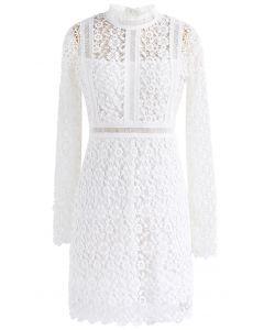 Ladylike - Robe droite à empiècements en crochet et crochet en blanc