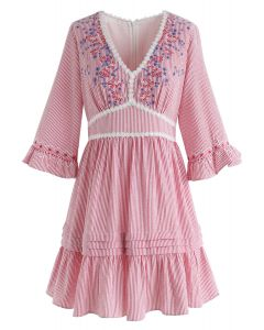 Garden Dweller - Robe Dolly à rayures et col en V