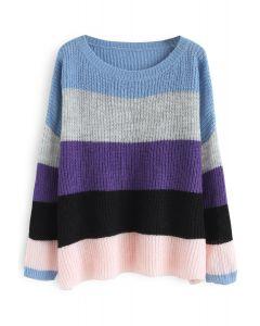 C'est un pull oversize coloré en violet
