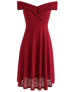 Robe en dentelle à épaules dénudées The Red