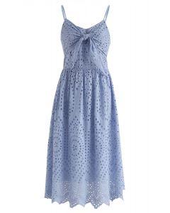 Robe de soirée à œillets bleu