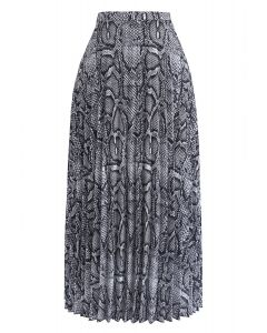 In the Wild Snakeskin Pattern Pleated Skirt in Black