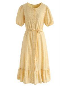 Là elle va robe à boutons brodée en jaune