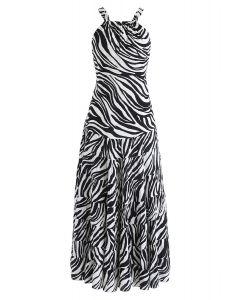 Robe longue à rayures zébrées et dos ouvert en blanc