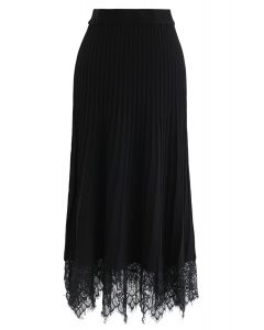 Lace Hem Pleated A-Line Knit Skirt in Black
