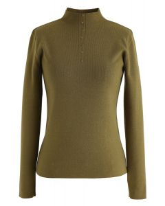 Buttoned Mock Neck Fitted Knit Top in Moss Green